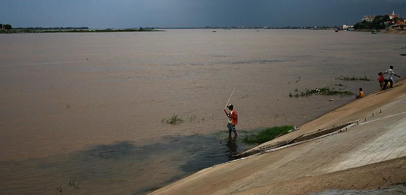 Río Mekong en su paso por Phnom Penh, Camboya - Paolobon