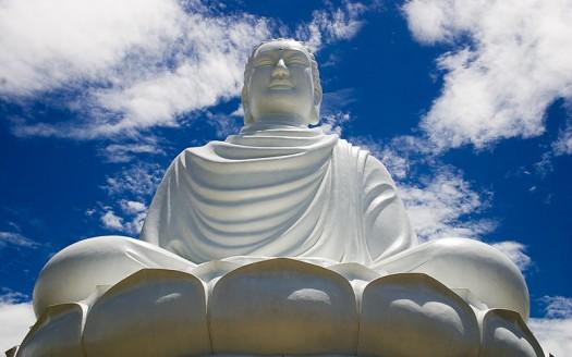 Estatua de Buda, Nha Trang (Vietnam) - Petr Ruzicka from Prague, CZ   namasteviajes.com