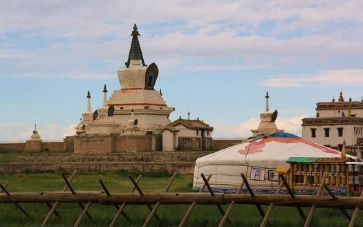 Monasterio de Erdenezuu, Mongolia - Mongolia Expeditions... | namasteviajes.com