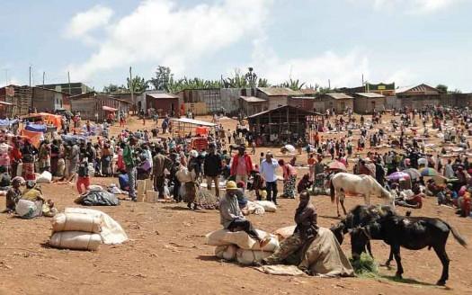 Mercado de Chencha, Etiopía - Bernard Gagnon, Creative Commons de Atribución/Compartir-Igual 3.0 Unported, 2.5 Genérica, 2.0 Genérica y 1.0 Genérica   namasteviajes.com
