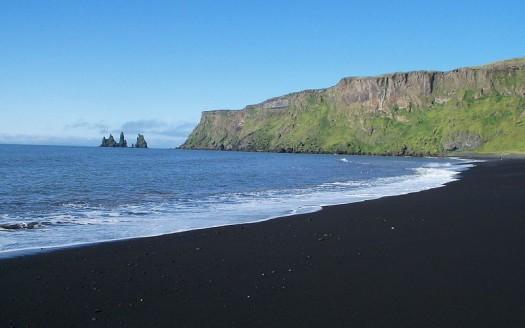 Playa de Vík, Islandia - Thew44 Creator:Matieu Allory, Creative Commons de Atribución/Compartir Igual 3.0 Unported, 2.5 Genérica, 2.0 Genérica y 1.0 Genérica   namasteviajes.com